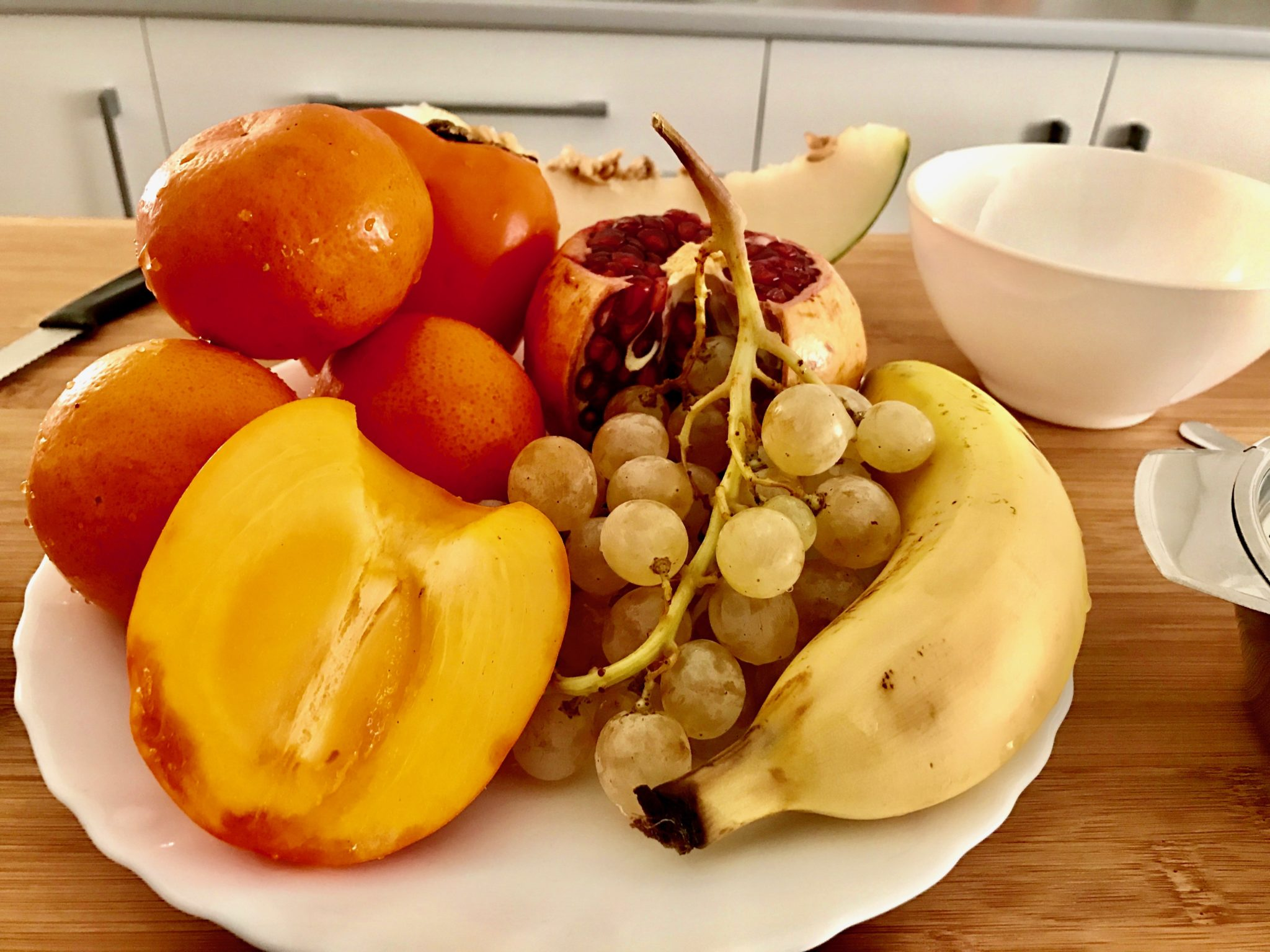 a few kinds of seasonal fruits