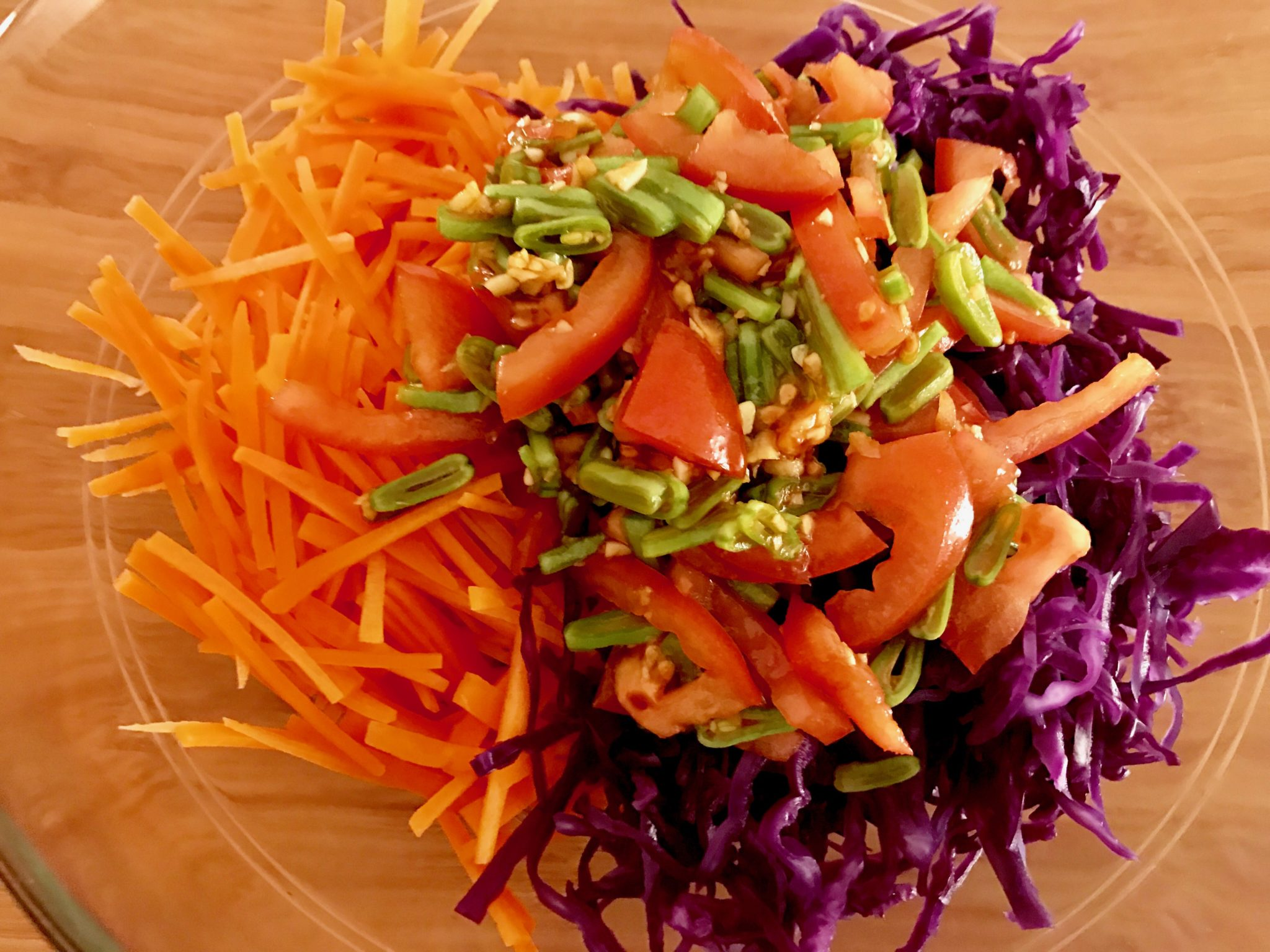 som tam sauce mixed with carrots & cabbage