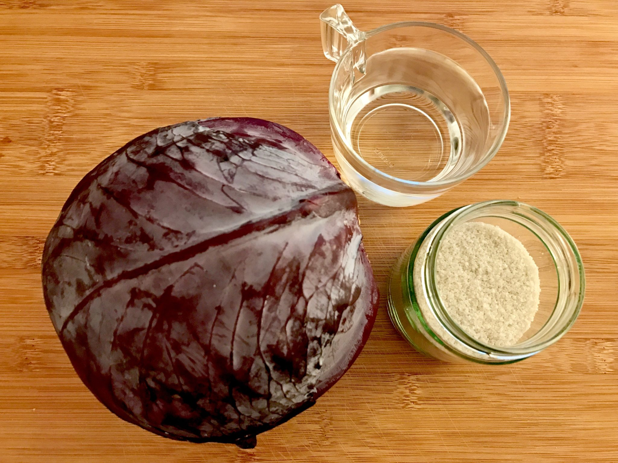 red cabbage, salt and water
