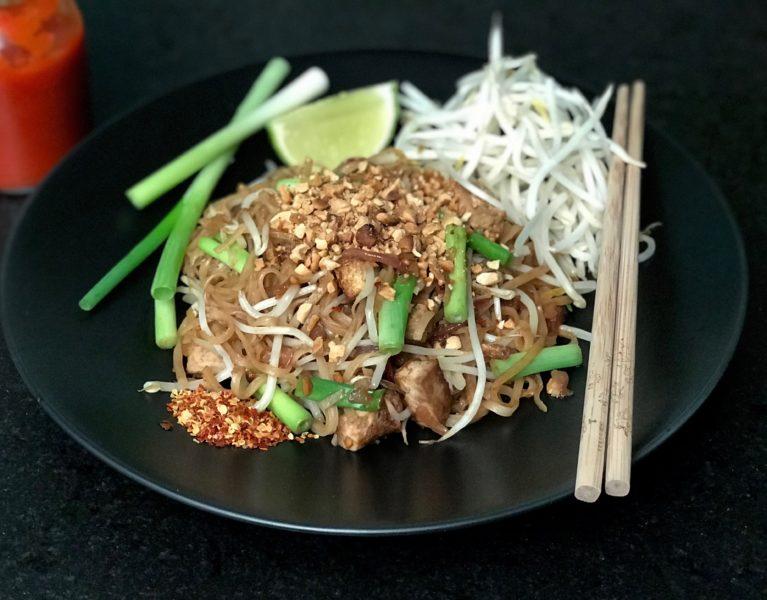 pad thai delicious & easy vegan recipe